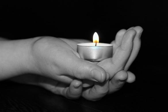 candle-1239891_640