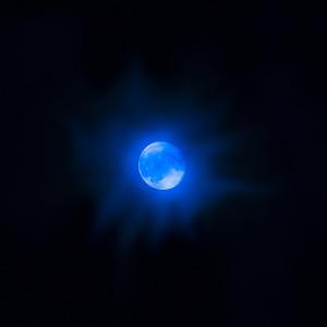 moon-969236_640