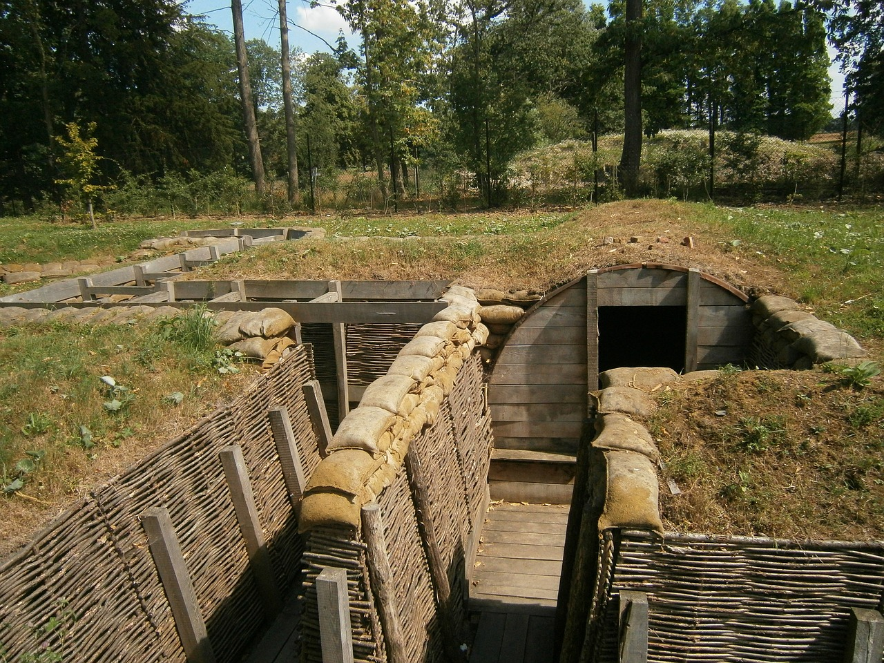 trench-1566795_1280